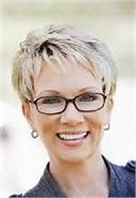 hairstyles for women with large heads glasses short hairstyles for women over 60 who wear glasses bing