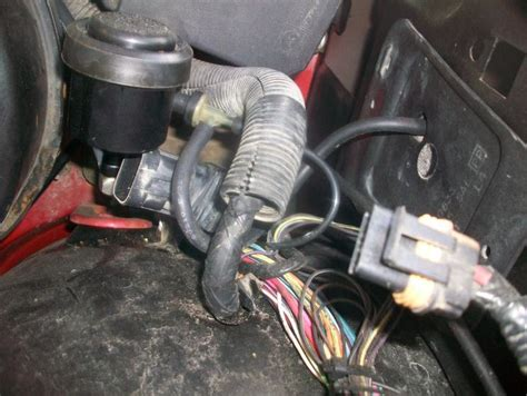 what side does the st go on where do i find my vacuum tank in my fender blazer forum