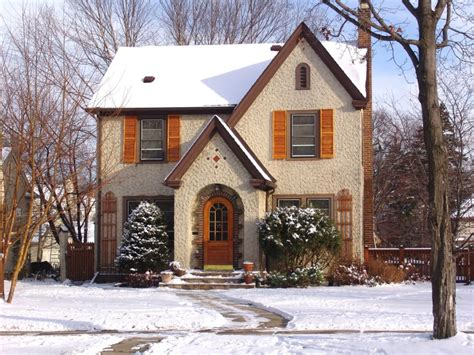 winter houses how to maintain curb appeal over the winter