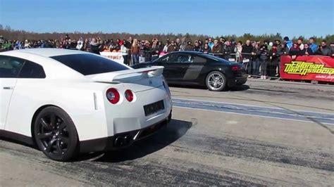Nissan GT R vs Audi R8 V10 1/4 mile Doovi