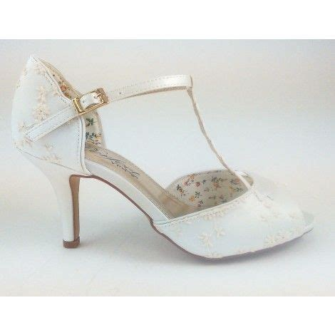 Wedding Shoes Ivory Lace by Best 25 Lace Wedding Shoes Ideas On Vintage