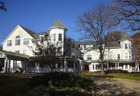 find assisted living facilities in 22041 located in falls