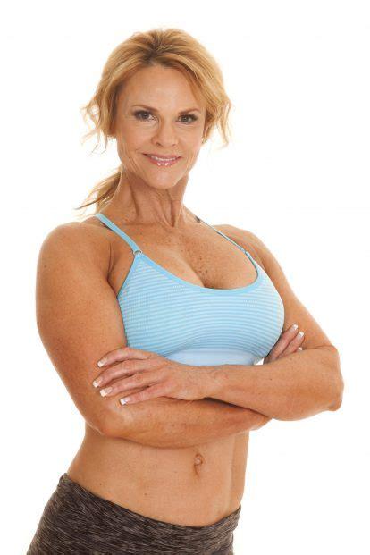 over 60 in shape women can women build muscle
