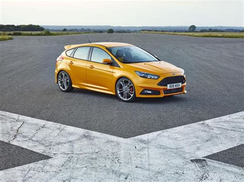 new ford focus st on sale now priced from 163 22 195 news