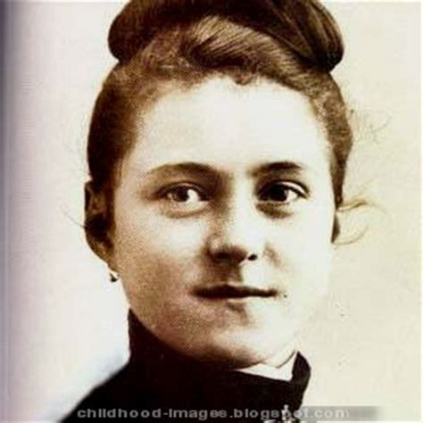 mother teresa early life biography childhood pictures mother teresa mini biography and