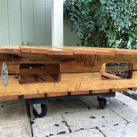 pallet table with wheels diy outdoor pallet coffee table with wheels 101 pallets