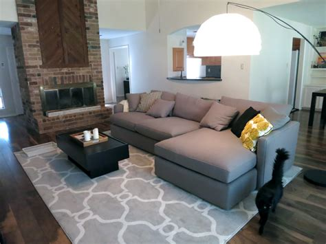 what colour rug with grey sofa what color rug goes with a grey couch buethe org