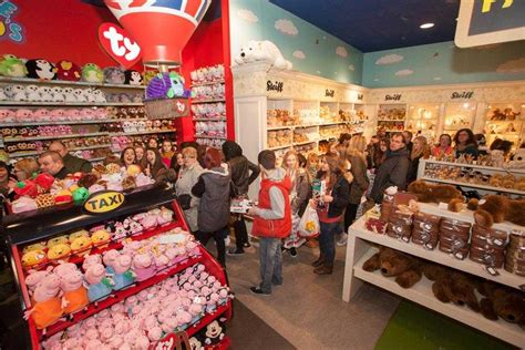 a for all time hamleys hamleys the oldest store in the world best travel