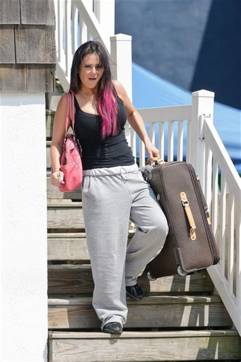jwoww house nicole quot snooki quot polizzi and jenni quot jwoww quot farley hug a crew member goodbye as they