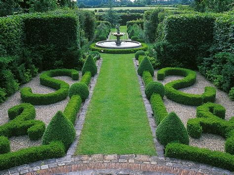 garden hedges types style guide formal gardens hgtv