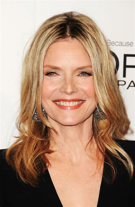 michelle pfeiffer hairstyles michelle pfeiffer medium layered cut shoulder length