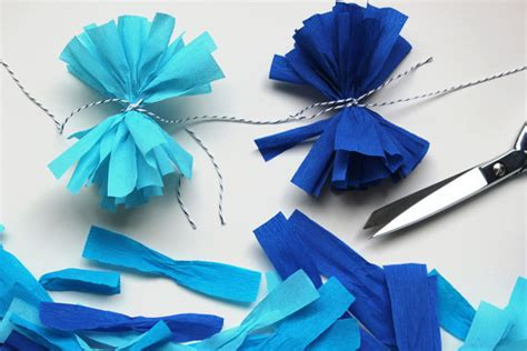 How To Make Paper Pom Pom Garland - diy crepe paper pom garland project wedding