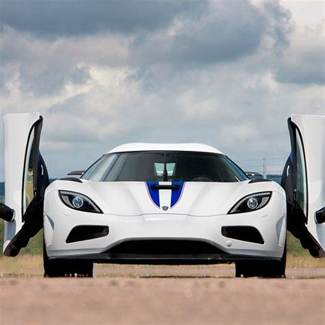 koenigsegg agera r white and blue 17 best images about koenigsegg on pinterest koenigsegg