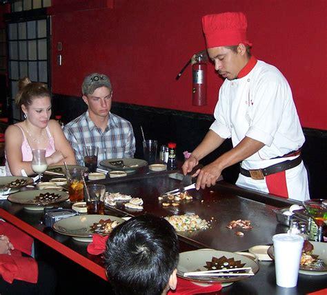 japanese restaurant cook at table file benihana dinner jpg wikimedia commons