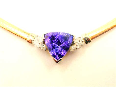 Handmade Diamonds - 10ct trilliant cut tanzanite handmade pendant with