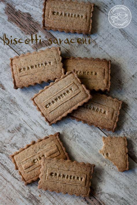biscotti lettere biscotti saraceni cappuccino e cornetto
