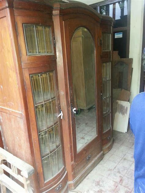 Lemari Vanderpool jual beli barang antik almari gendong