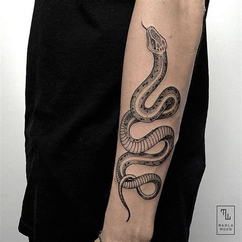 snake bite tattoo 1000 ideas about snake bite piercing on
