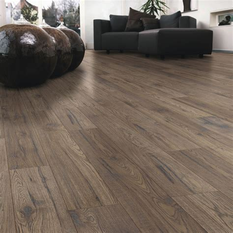 ostend ascot oak effect laminate flooring   pack