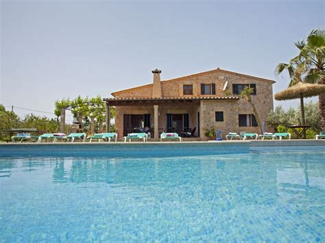 fantastic 4 bedroom villa with pool air conditioning table pollen 231 a district