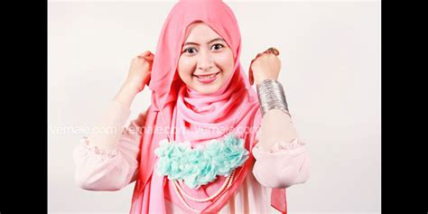 Tear Dua Warna tips jilbab segi empat hairstyle gallery