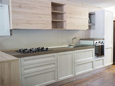 cucine shabby cucina moderna shabby con penisola in offerta convenienza