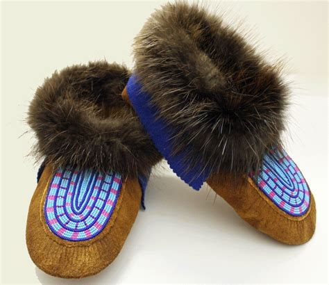 beaver fur slippers 105 best images about moccasin style on canada
