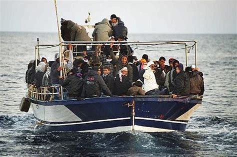 permesso di soggiorno in francia immigrati subito permessi di soggiorno ma la francia non