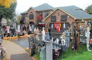 Decorated Homes For Halloween by Naperville Halloween House S Popularity Sparked Its Demise