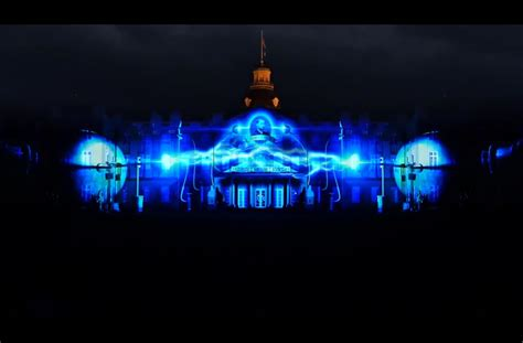 3d light show projection mapping turns this palace into a brilliant 3d