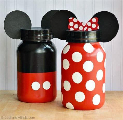 Celengan Mickey Mouse semangat menabung bisa makin menyala saat kamu mau membuat 9 celengan unik yang berbeda