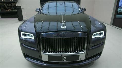 Rolls Royce Mba Internship by This Rolls Royce Is Painted With Real Dust Mar