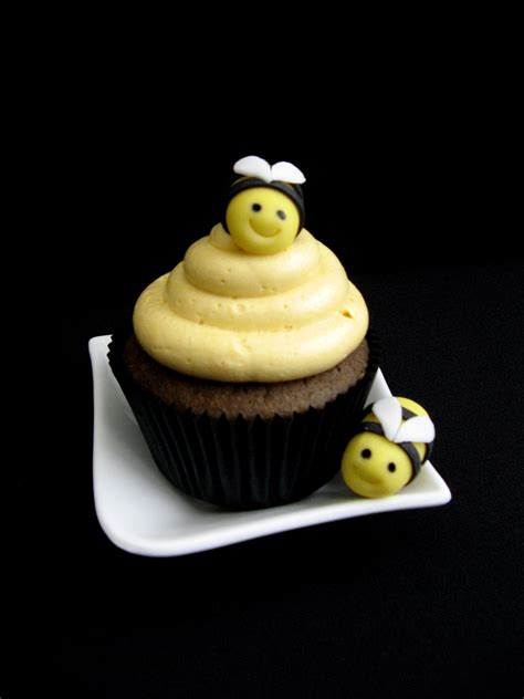 bee cupcakes cakecentral