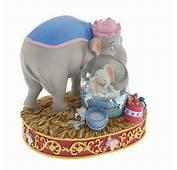 &gt Snowglobes And Waterglobes Mrs Jumbo Washes Dumbo Mini