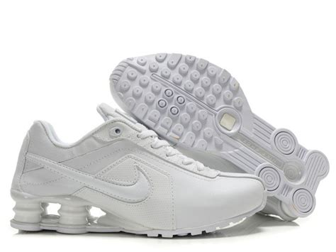 all white nike shoes s s nike shox r4 running shoes all white