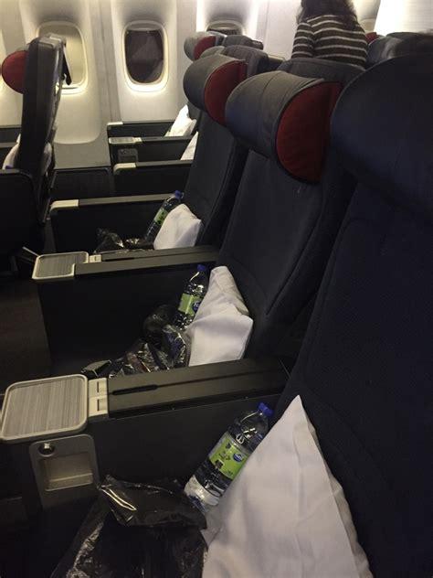 air canada seats air canada premium economy yyz dxb on boeing 777 300er