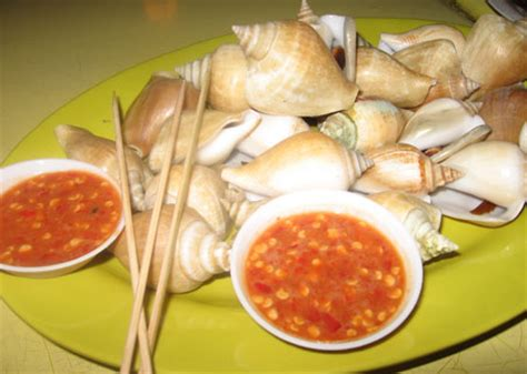 Kerang Gonggong typical supper food in singapore spicegasm