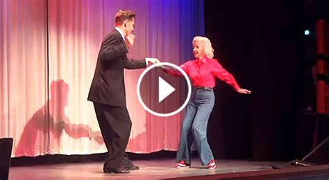 who is jean swing 88 yr old walks onstage now pay attention to her feet