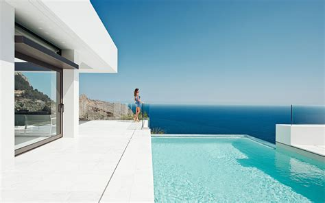 Modern Mansion Beach House Architecture by Piscine 224 D 233 Bordement Avec Vue Sur La Mer