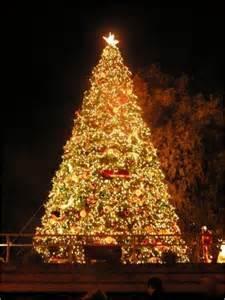 kirkland winterfest holiday tree lighting small business