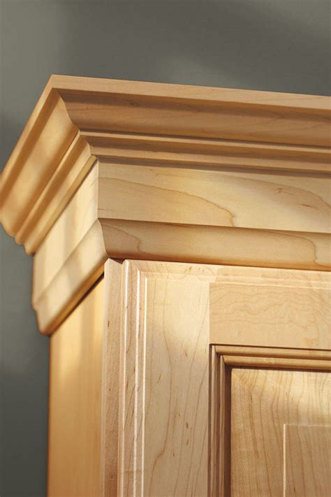 shaker cabinet crown molding shaker crown moulding aristokraft cabinetry
