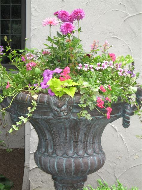 this website has beautiful ideas for urn planting for all seasons my yard a work in progress
