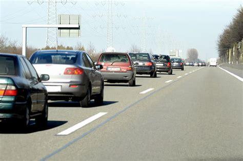 wann erlaubt rechts 252 berholen wann es erlaubt ist service motorline cc