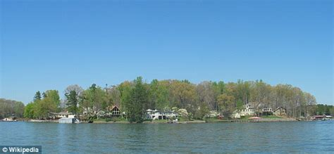 lake norman boating accident kneeboarding girl killed on lake norman near mooresville