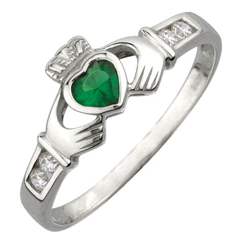 claddagh ring sterling silver and emerald