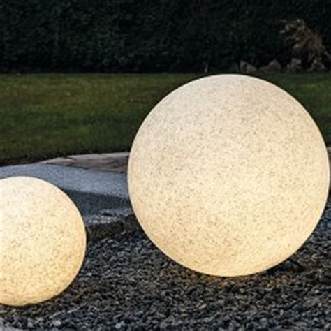 solar kugelleuchten für den garten gartenlen solar led kugelleuchten lichterketten