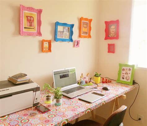 como decorar notebook papel contact como ter uma mesa home office linda por apenas r 140 a