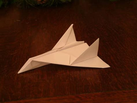 For A Paper Aeroplane - how to make a paper aeroplane thunder bomber ihow4us