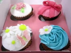 cupcake dekoration d 233 coration de cupcakes cheekymuffin