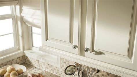 how to clean wood kitchen cabinets before painting rooms